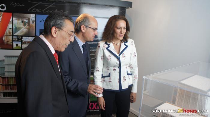 """NOTICIAS DE UN VERANO """"NARANJA"""": DOS > FINALIZADA LA EXPOSICIÓN ITINERANTE """"ARQXXICYL. Arquitectura para el S.XXI en Castilla y León""""."""